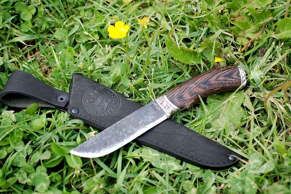 Вариант как носить охотничий нож купить нож victorinox minibb